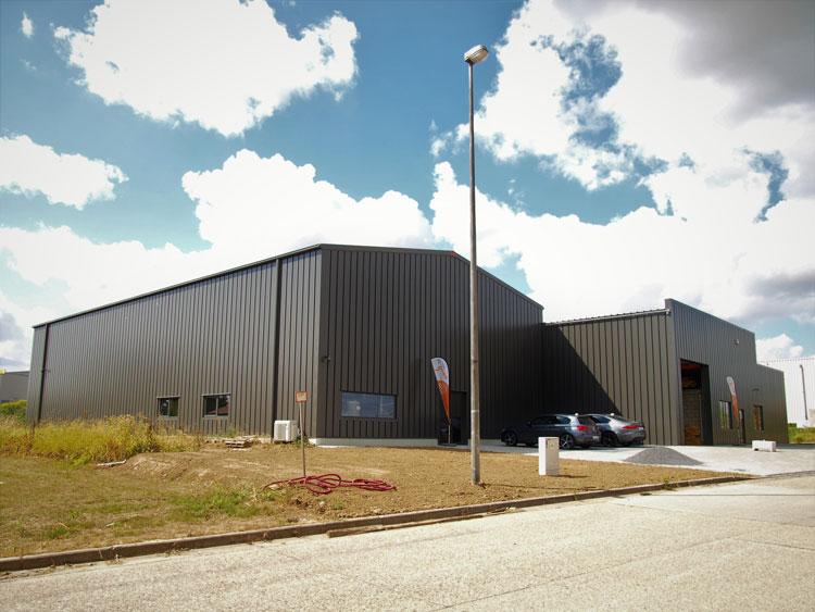 Ambisphère-industriële-renovatie-nieuwbouw-Interloods-Frisomat Groep